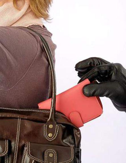 к чему снится когда украли сумку