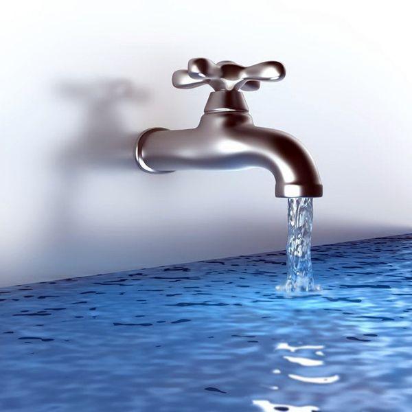 Во время занятия сексом полилась вода