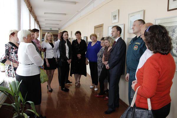 Народные избранники обсудили проблемы образования с педагогами Тихиничской СШ.