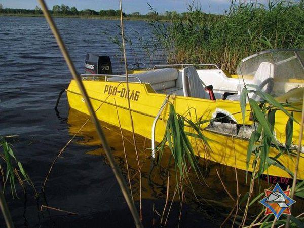 На озере в Рогачевском районе столкнулись гидроцикл и лодка: один человек погиб