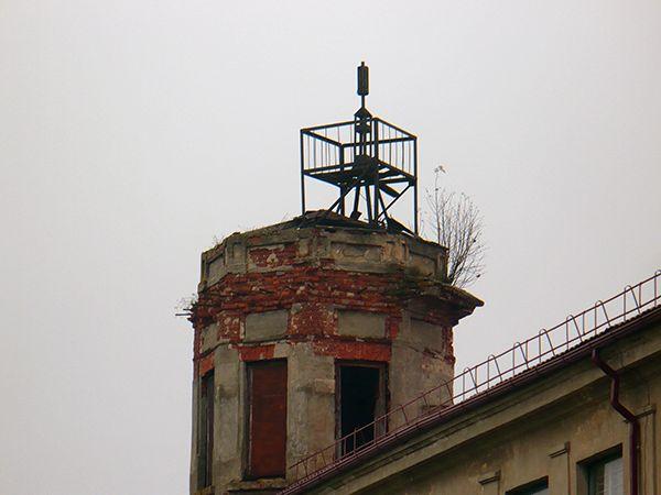 Обсерватория в аварийном состоянии до ремонта.
