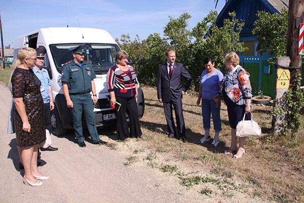 Сельчане обсудили с депутатами насущные вопросы.