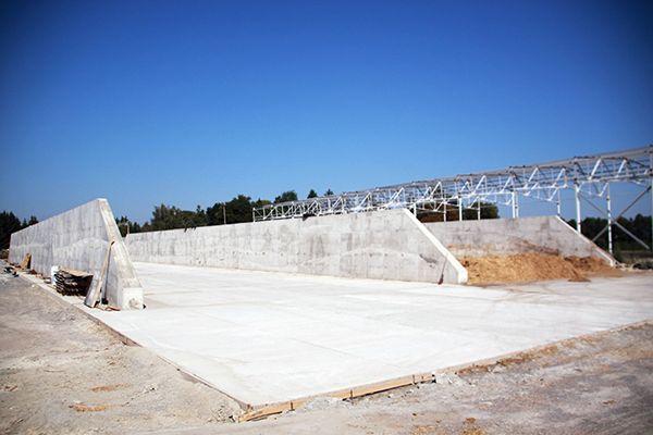 Сельхозпредприятие «Галекс-Агро» укрепляет свою базу – строит новые хранилища для кормов.