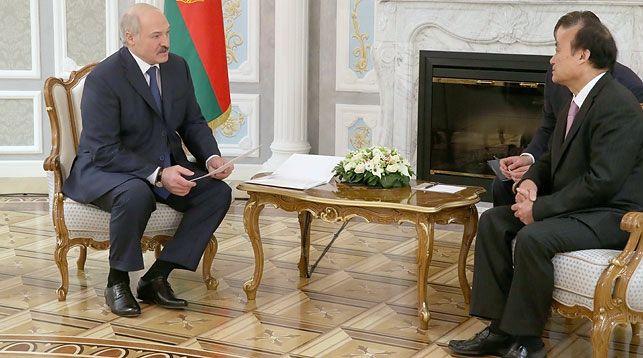 Александр Лукашенко и Хоулинь Чжао