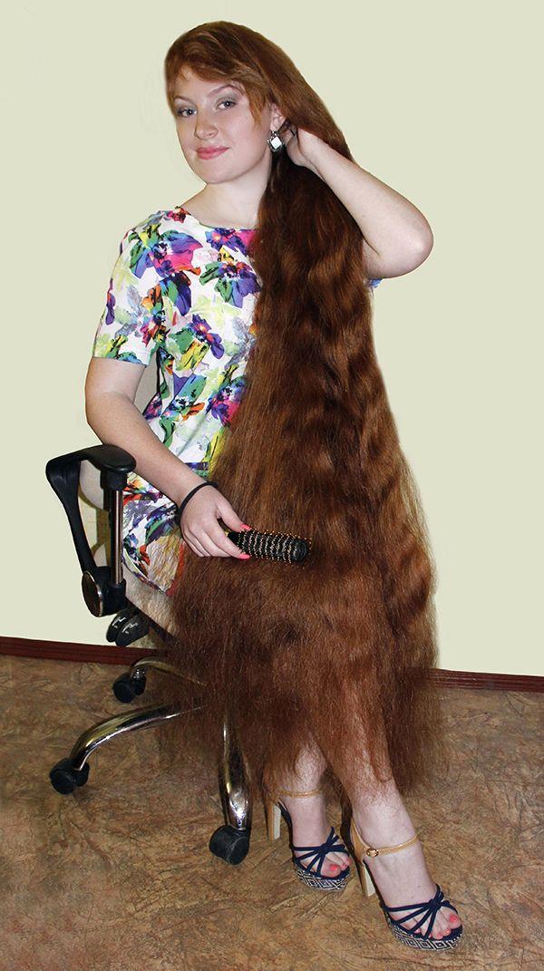 Рекордсмены Рогачевщины. Людмила Бугаева: обладательница самой длинной косы