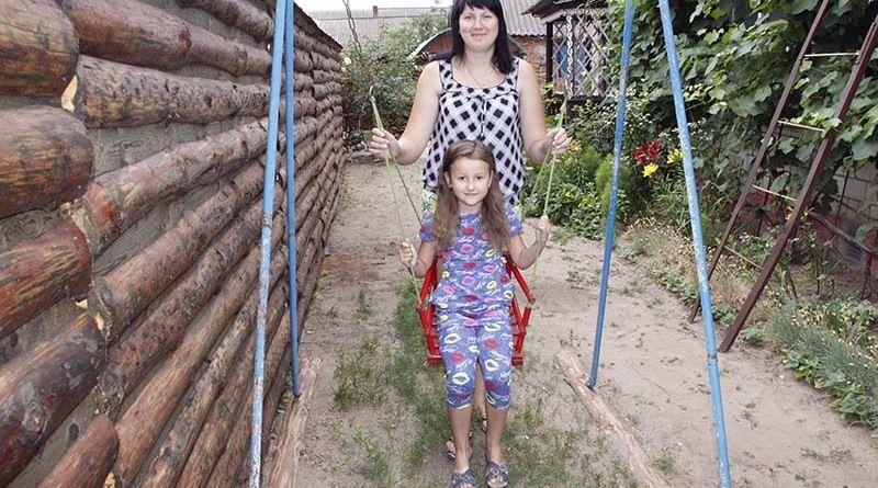 Наша рекордсменка Татьяна Гончарова вместе с любимой богатыршей – дочкой Алиной.