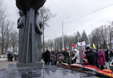 24 февраля в Рогачёве прошёл митинг, посвящённый 73-й годовщине освобождения Рогачёва от немецко-фашистских захватчиков