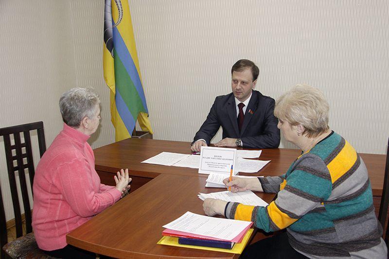 Депутат Владислав Щепов выслушал и рассмотрел вопросы во всех сферах жизни рогачёвцев.