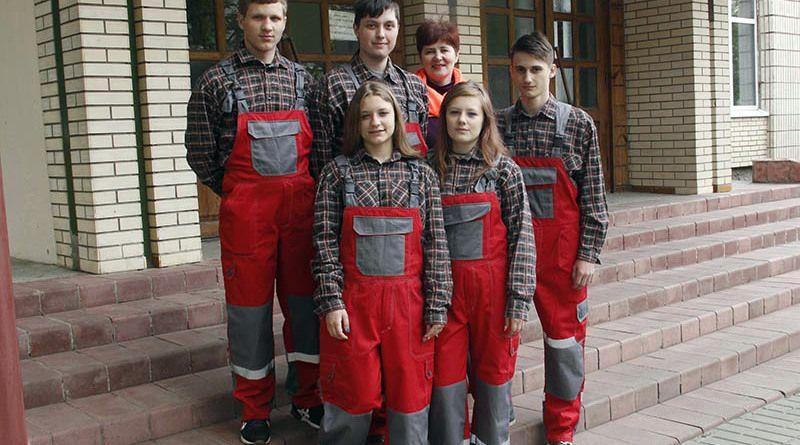 Будущие строители охотно оказали помощь районной организации БАБНУФ.