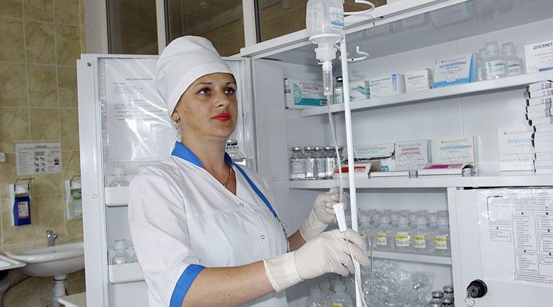 Профессионализм процедурной медсестры Инны КОЛКОВОЙ уже давно отметили руководство и коллеги.