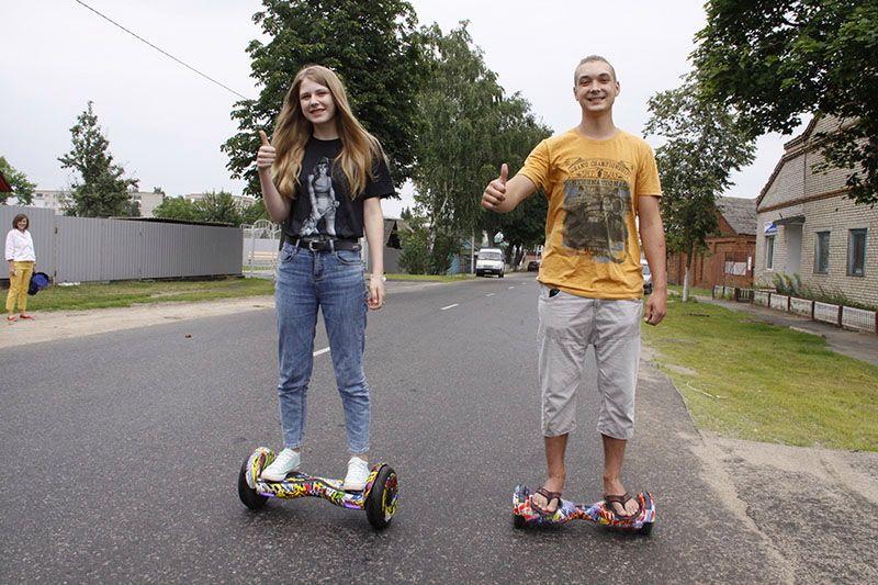 Кристина ГРИШКОВА и Павел КРАВЧЕНКО освоили гироскутер на отлично!