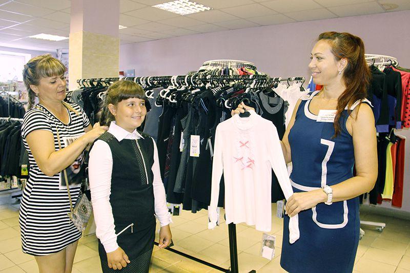 Рогачёвские родители уже начали готовить своих школьников к новому учебному году.