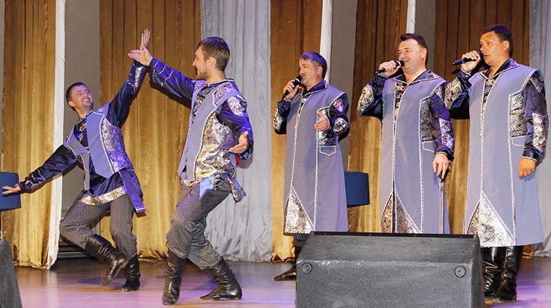 Талантливые и юморные «казаки» покорили благодарную рогачёвскую публику.