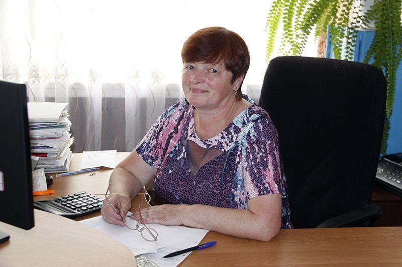 Скромный и добросовестный труд Зинаиды РУДЕНКОВОЙ не остался без внимания дружного коллектива и руководства сельхозпредприятия.