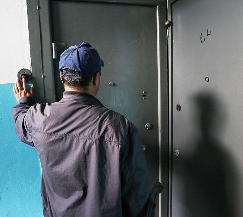 и постучали в двери открывайте граждане милиция