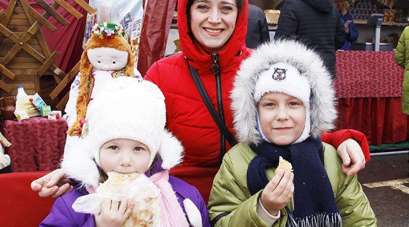 ФОТОРЕПОРТАЖ. Рогачёвцы отпраздновали Масленицу