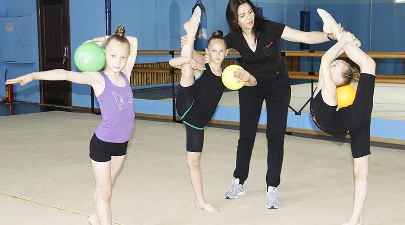 19 мая – День работников физической культуры и спорта. Рогачёвской художественной гимнастике – быть!