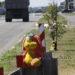 Зачем возле моста через Днепр в Рогачёве повесили игрушки?